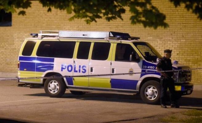 İsveç'te 20 yaşında bir kişi vuruldu