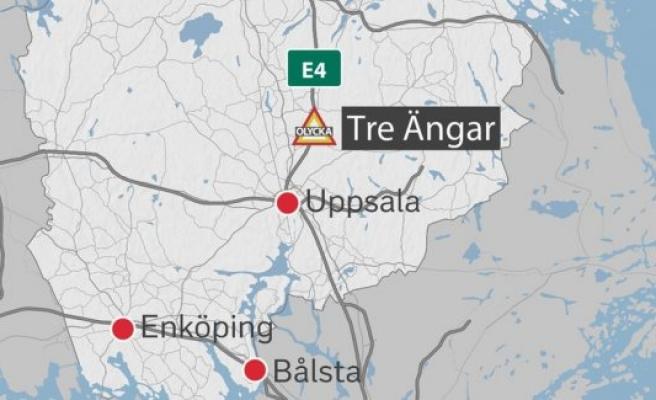 İsveç'te bayılan şoförün sürdüğü otobüsü yolcular durdurdu