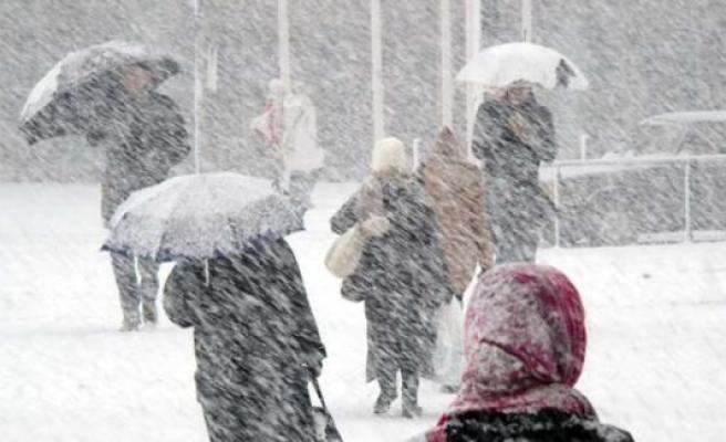 İsveç'te bazı bölgelere yılın ilk karı yağdı