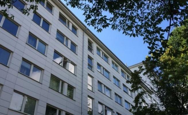 İsveç'te bir kız çocuğu 7. kattan düştü