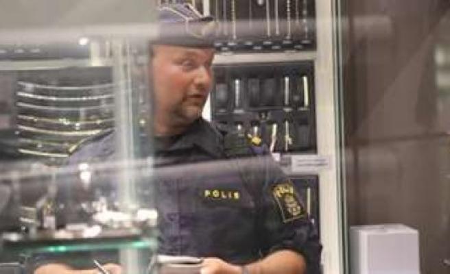 İsveç'te bir kuyumcu soyuldu