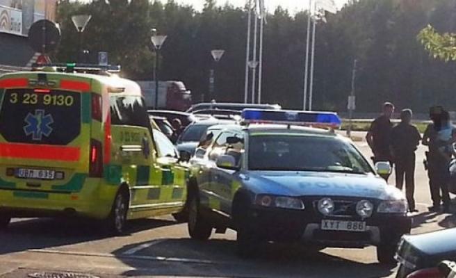 İsveç'te çocuklarını arabada bırakan aileye hapis cezası