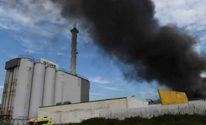 İsveç'te fabrika yangını!