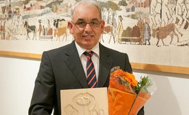 İsveç'te Faruk Yıldız'a ''yılın en sevilen örnek esnafı''ödülü