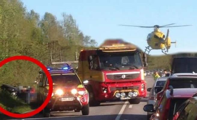 İsveç'te korkunç kaza! Helikopter ambulansı kaza yerinde!
