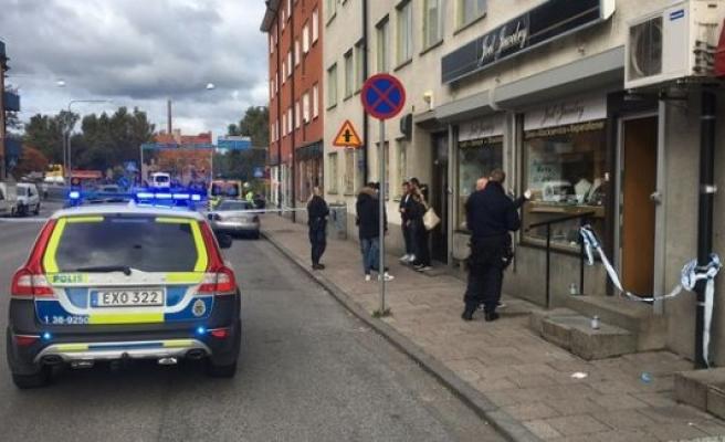İsveç'te kuyumcuyu soyan hırsızlar hemen yakalandı