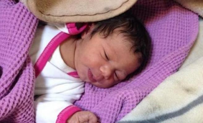 İsveç'te Otel resepsiyonuna Bırakılmış Bebek Bulundu