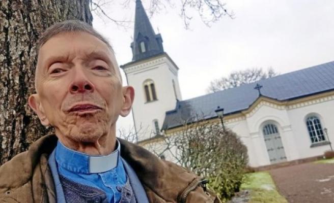 """İsveçli papaz ismini """"Ahmed"""" olarak değiştirdi"""