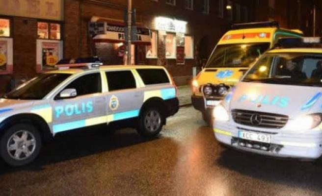 İsveç'te 90 yaşındaki kadını darp edip soydular!