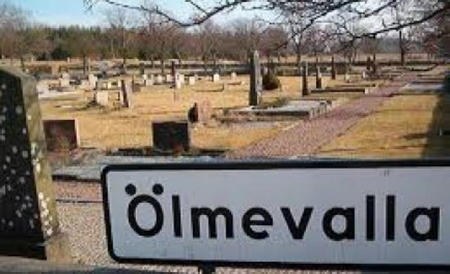 İsveç'te bu mezarlığa gömülenler yandı...FOTO