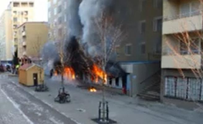İsveç'te camiye saldırı 5 kişi yaralı...