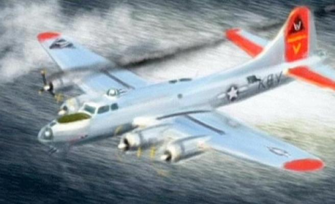 İsveç'te denizin dibinden bombardıman uçağı çıktı