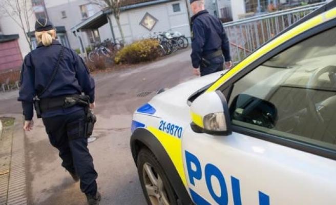 İsveç'te polise tehditler savuran genç kız gözaltına alındı