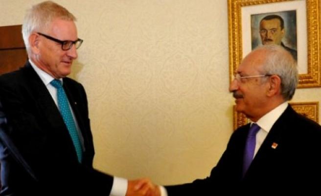 Kılıçdaroğlu, İsveç Dışişleri Eski Bakanı Carl Bildt'i kabul etti