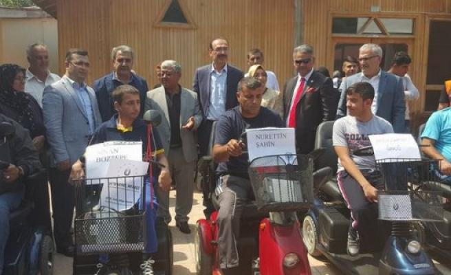 Kulu'da engelli  vatandaşlarımıza akülü araç hediye edildi