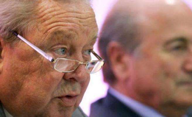 Lennart Johansson, Joseph Blatter'i yerden yere vurdu!