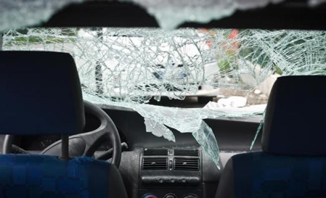 Malmö'de 50 arabanın camlarını kırdılar!