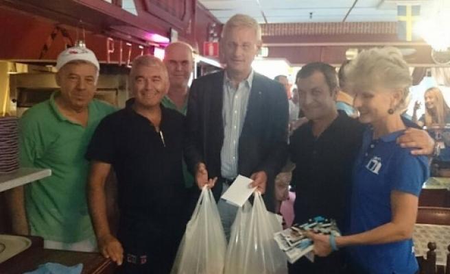 Milletvekilli adayları ile Carl Bildt'in rekabeti festivale yansıdı