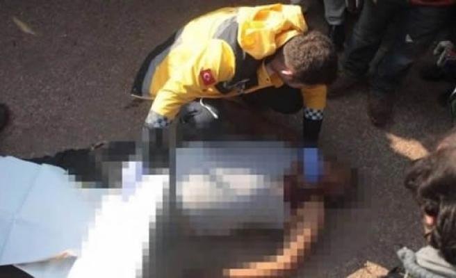 Öldürüp cesedini sınır kapısına attılar!