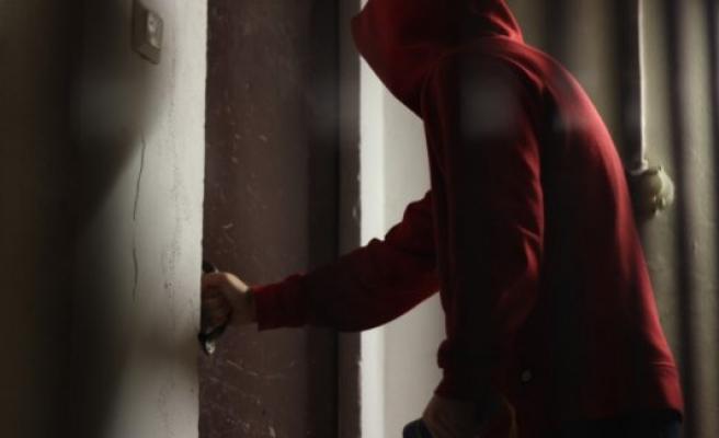 Pizzacı'nın yakaladığı hırsız polisten yardım istedi