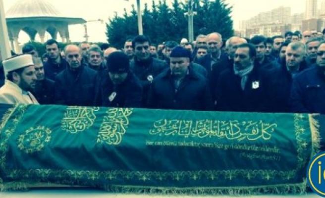 Pizzariye'de öldürülen Türk çift, İstanbul'da son yolculuğuna uğurlandı