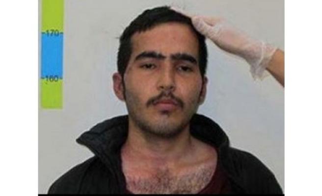 Polisi arkadan bıçaklayan Afganlı gence 5 yıl hapis