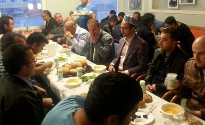 Rinkeby'de ilk iftar Tırpan ailesinden