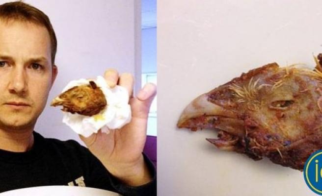Salatasının içinden gagalı tavuk kellesi çıktı