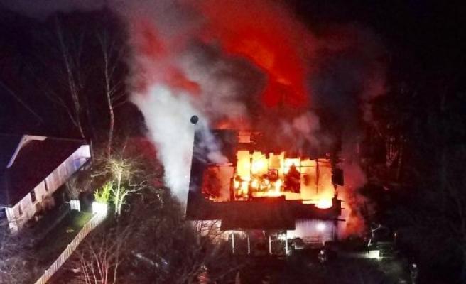 Skogås'da bir villa yandı
