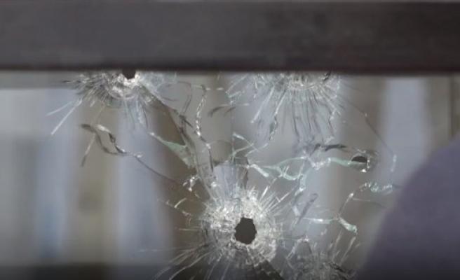 Södertälje kentinde polis karakoluna silahlı saldırı