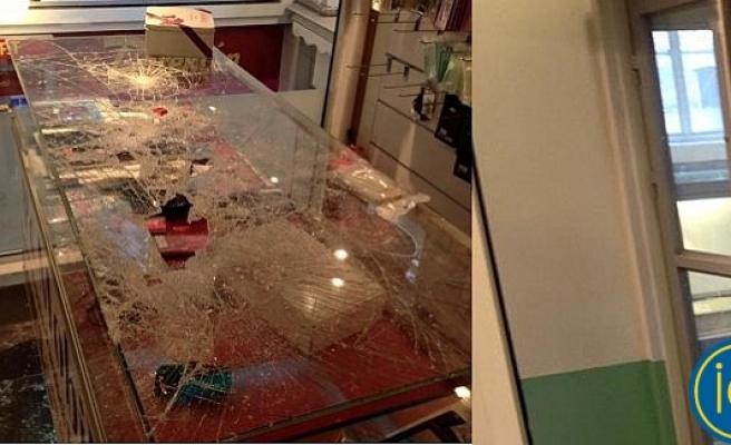 Stockholm'de hırsızlar Türk iş yerine büyük zarar verdi...FOTO