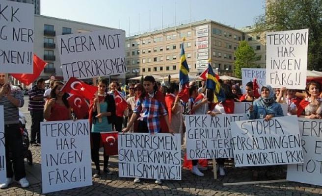 "Gençler, Stockholm'de ""teröre lanet"" mitingi yapacak"