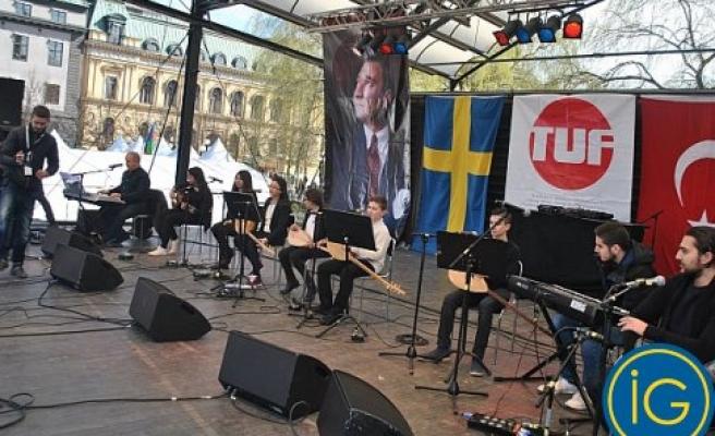 Stockholm'de Erken 23 Nisan Kutlaması Büyük İlgi Çekti