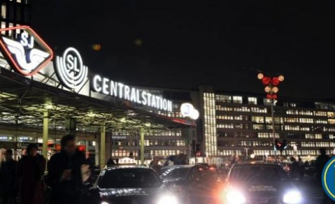 Stockholm Tren İstasyonu'na 5 çocuk bırakıldı