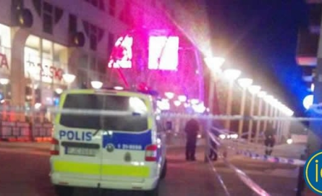 Stockholm'ün en merkezi noktasında bir kişi bıçaklanarak öldürüldü