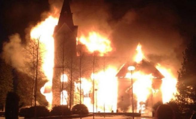 Tarihi Kilise Kundaklandı; Bir kişi tutuklandı
