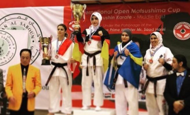 Türk Kızı 'Dünya Gençler Karate Şampiyonası'nda Üçüncü Oldu