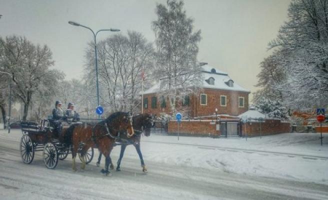 Türkiye'nin Stockholm Büyükelçiliği'nden askerlik dyurusu