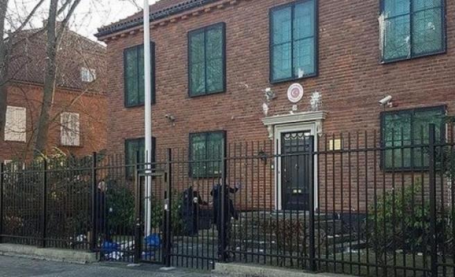 Türkiye'nin Stockholm Büyükelçiliğine saldırı hazırlığındaki iki kişi yakalandı