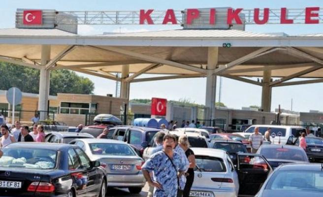 Türkiye'ye arabayla gideceklere önemli uyarı!