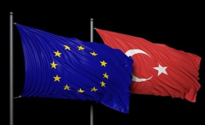 'Türkiye'ye AB yardımı dondurulsun'