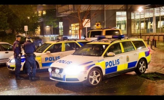 Vårberg'de bir kişi başından vuruldu
