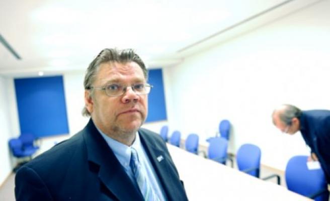 Yabancı Karşıtı Parti Başkanı Dış İşleri Bakanı oldu