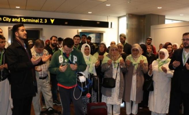 Yılbaşını Kutsal Topraklarda geçirmek isteyenler Umre için  Stockholm'den hareket etti