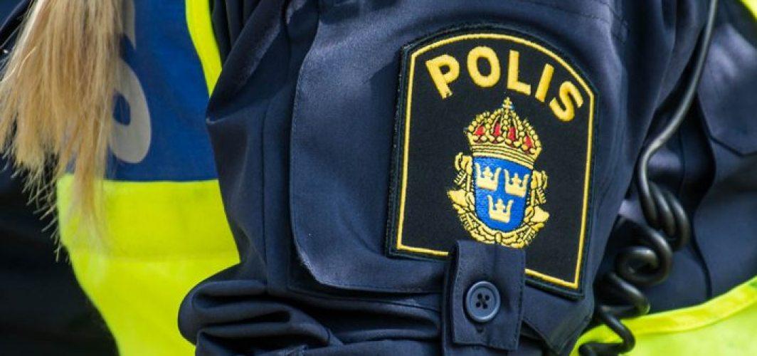 Stockholm'de bıçaklı bir kişi  onlarca insanı tehdit etti