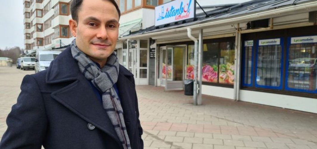 İsveç'te Türk parti lideri  düşüncelerinden dolayı linç  edildi