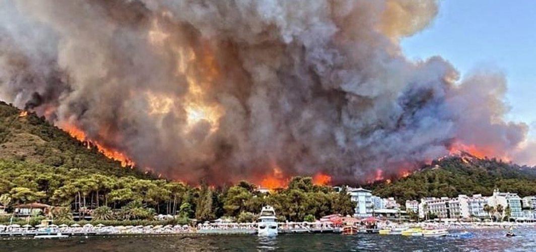 """Marmaris'te orman yangını... """"Kitap yakıyorduk, bir anda alev çoğaldı"""""""