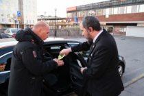 İsveç'te Türk taksicilerin kolonyalı virüs önlemi taktir kazanıyor