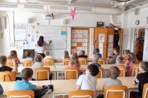 İsveç'te çocuklarını okula göndermeyen aileye para cezası