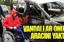 İsveç'te engellinin arabası ateşe verildi